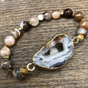 Jewelry - Druzy Agate Slice Beaded Stretch Bracelet